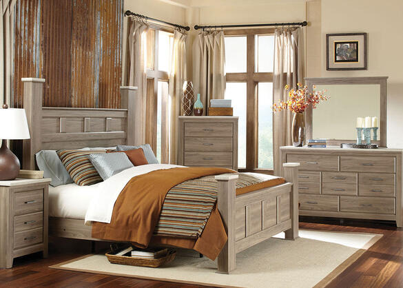 Henley Pine 8 Pc. King Bedroom
