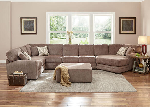 Easton Gray 3 Pc. Sectional w/Cuddler Chaise