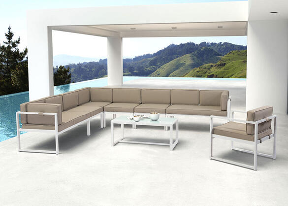Golden Beach 7 Pc. Sectional Set
