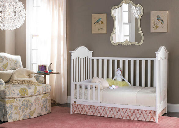 Charlotte Snow White Convertible Crib by Fisher Price