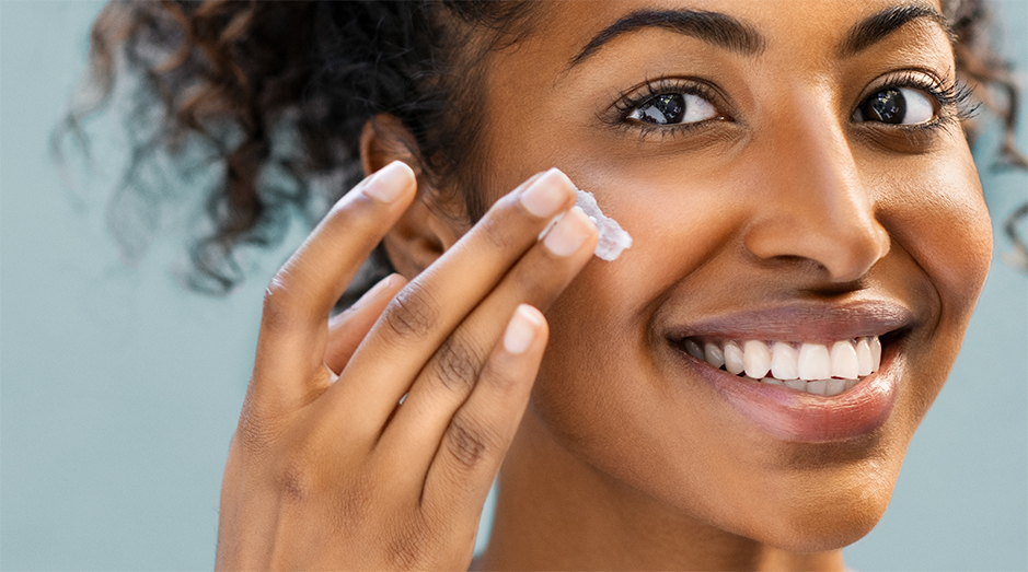 What is a Face Moisturizer & How Does It Work?