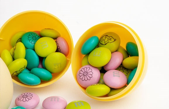 Personalized M&M'S inside a plastic Easter egg