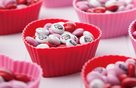 Personalized M&M'S in small heart shaped containers
