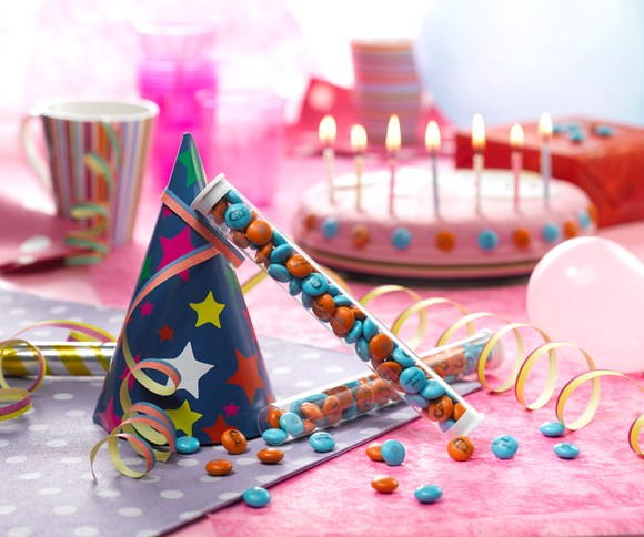 Birthday party decoration ideas with personalised M&M'S