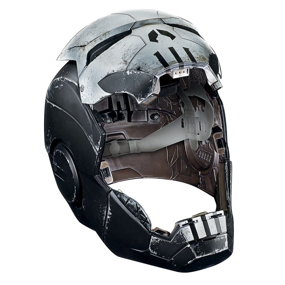 Marvel-Legends-Punisher-War-Machine-Helmet-Prop-Replica-2