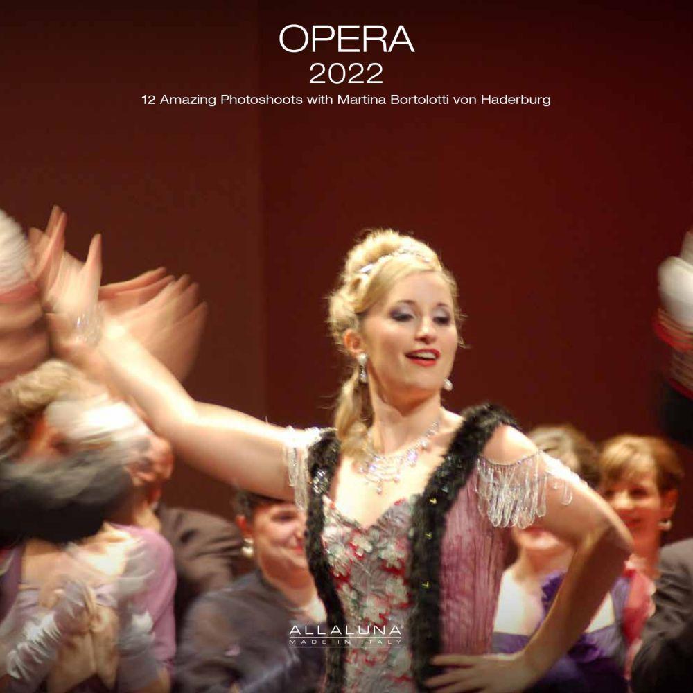 Opera Alla Luna 2022 Wall Calendar (Bilingual)