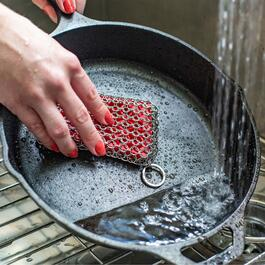 Lodge Chainmail Rectangle Scrubbing Pad - Red