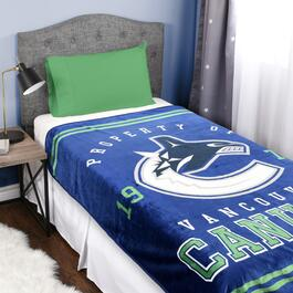 NHL Vancouver Canucks Luxury Blanket - 70in.